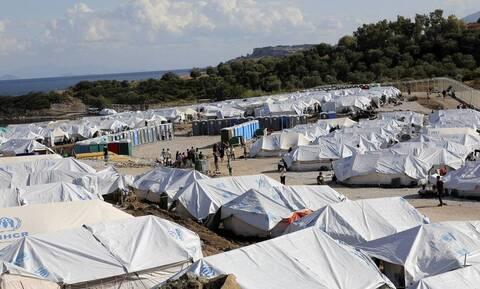 Κομισιόν: Καθυστερεί την επιστροφή 1.450 αλλοδαπών από τα ελληνικά νησιά προς την Τουρκία