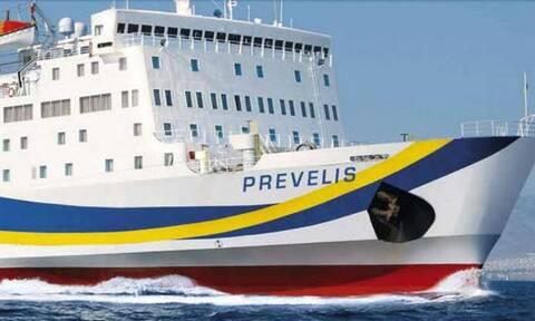 Σαντορίνη: Το πλοίο «Πρεβελης» χτύπησε στο λιμάνι του Αθηνιού