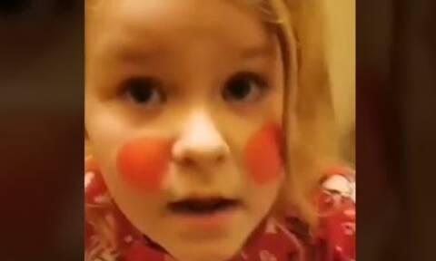 Η 6χρονη θέλει να πάει στο κλαμπ & δεν την αφήνουν-Δείτε το viral βίντεο