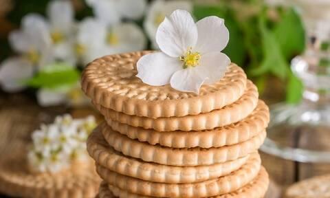 Πανεύκολα μπισκότα με γιαούρτι και χωρίς αυγά