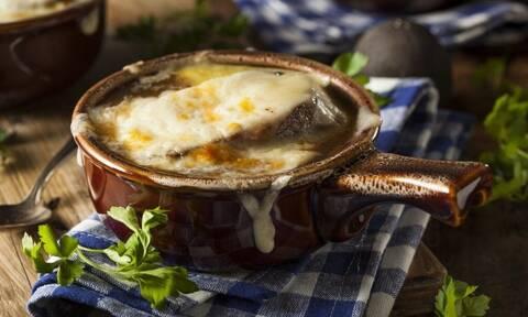 Αυτά είναι τα πιο διάσημα χειμωνιάτικα φαγητά