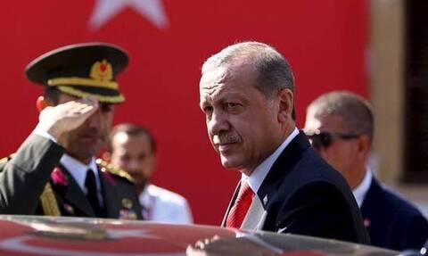 Η Τουρκία θα επαναλάβει την πρότασή της για κοινή ομάδας εργασίας για τους S-400 προς τον Μπάιντεν