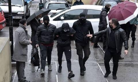 Επίθεση Μετρό: «Ο σταθμάρχης με χτύπησε» - «Μας είπε: Έτσι κάνετε ρε στο σπίτι σας»