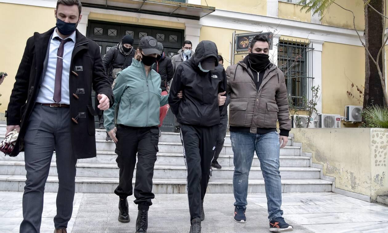 Επίθεση στο Μετρό: Η φωτογραφία που «έκαψε» τους ανήλικους και το προφίλ του ειδικού φρουρού