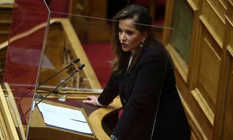 Ντόρα Μπακογιάννη: Η Σοφία Μπεκατώρου βρήκε το θάρρος, πολλές φοβούνται - «Καμία γυναίκα μόνη»