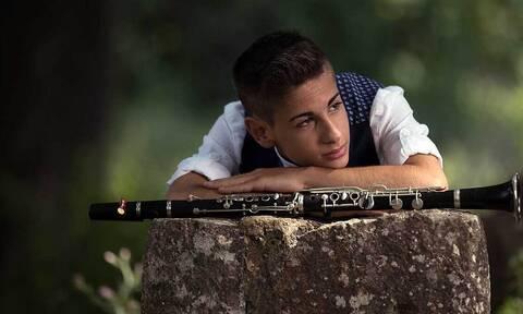«Karmir Nur»: Ο 17χρονος σολίστας Δημήτρης Σακκάς μας παρουσιάζει τη νέα του δισκογραφική δουλειά