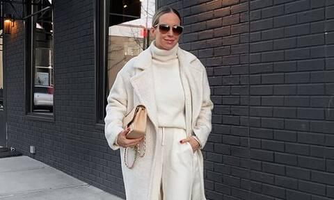 Δημιουργησε τα πιο σοφιστικέ winter looks, με αυτά τα 5 neutral ρούχα
