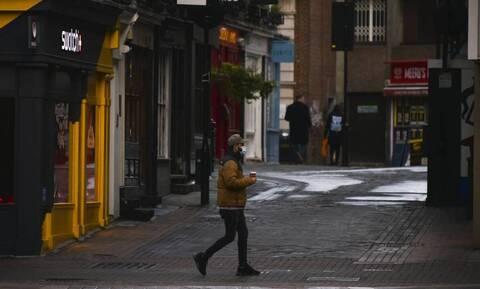 Lockdown - Βρετανία: Ελπίζει στην χαλάρωση των μέτρων από το Μάρτιο