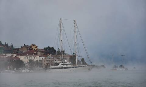 Καιρός: Θαλάσσιος καπνός στο Ναύπλιο - Το φαινόμενο που προκαλεί εντύπωση (pics - vid)