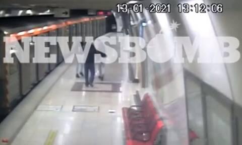 Βίντεο ντοκουμέντο: Καρέ – καρέ η βάναυση επίθεση των δυο ανήλικων στον σταθμάρχη του μετρό