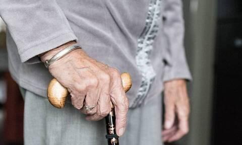 Το 77,2% των συνταξιούχων είναι άνω των 65 ετών