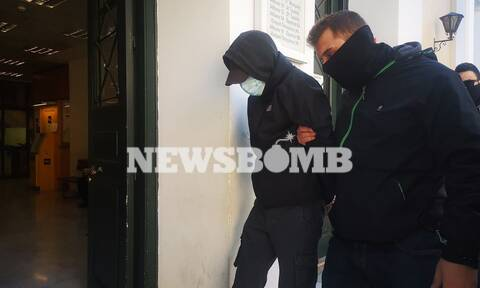 Επίθεση στο Μετρό: Στον ανακριτή για να απολογηθούν οι δύο ανήλικοι (pics)