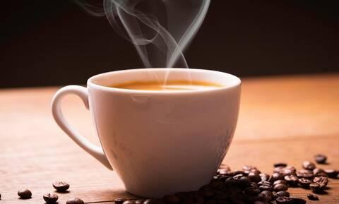 Και όμως: Δες με τι μπορείς να αντικαταστήσεις τον πρωινό καφέ!