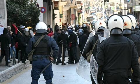 Πάτρα: Επεισόδια σε συγκέντρωση για τον Δημήτρη Κουφοντίνα (vids)