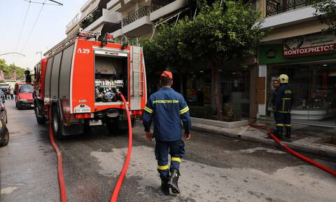 Ηράκλειο: Συναγερμός για φωτιά σε σπίτι – Γυναίκα κάηκε στο πρόσωπο