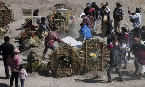 Κορονοϊός στο Μεξικό: Τραγικό ρεκόρ με 1.584 θανάτους και 18.894 κρούσματα σε 24 ώρες