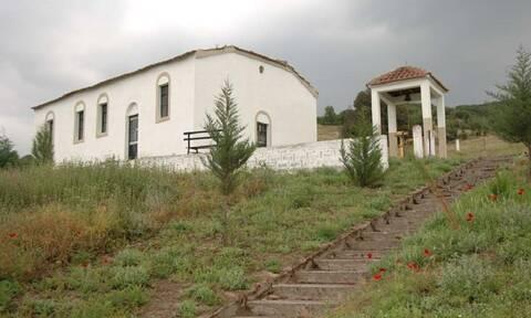 Ελασσόνα: Ιερόσυλοι έκλεψαν 16 εικόνες από το τέμπλο Ιερού Ναού