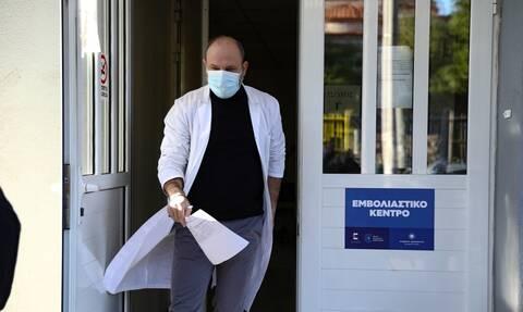 Κορονοϊός: Εμβολιαστικά κέντρα – «γίγας» σε Αθήνα και Θεσσαλονίκη – Πού θα λειτουργήσουν