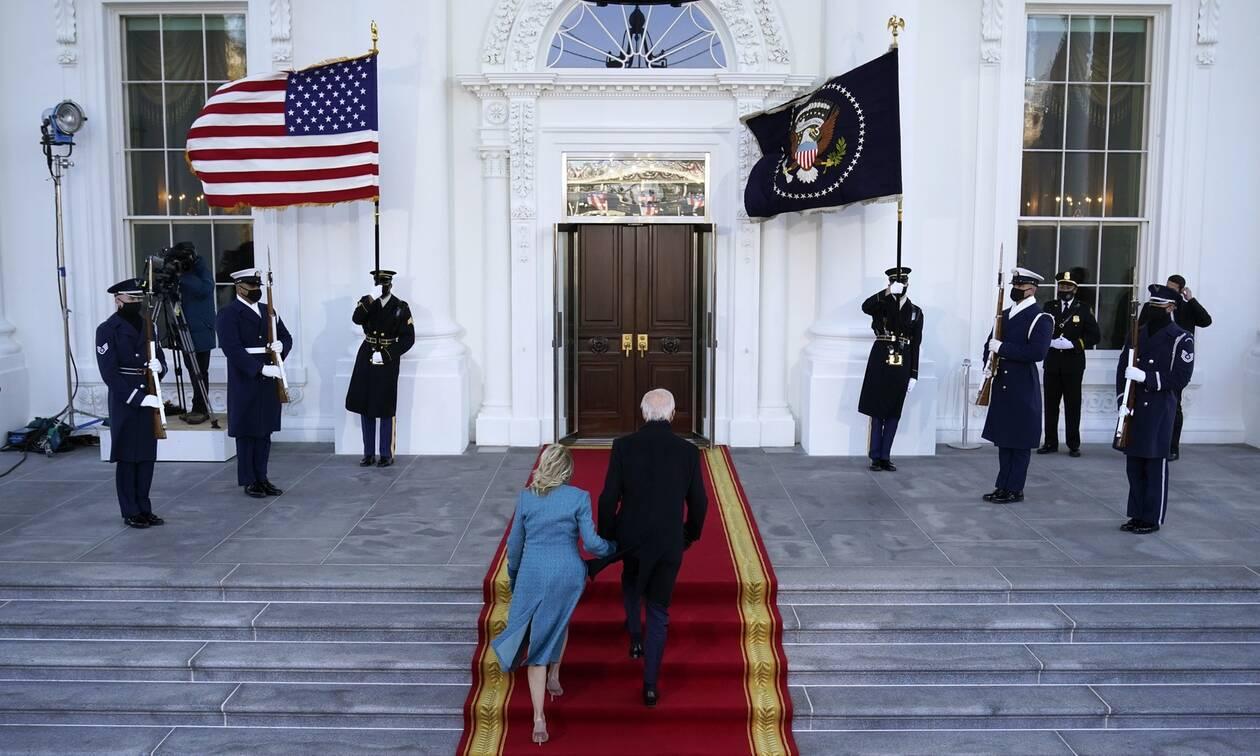ΗΠΑ: Στον Λευκό Οίκο συνοδευόμενος από την οικογένειά του έφτασε ο Τζο Μπάιντεν
