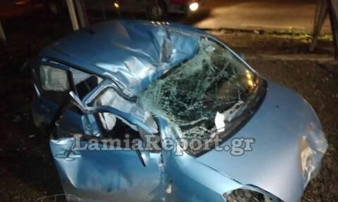 Σοκαριστικό τροχαίο στα Καμένα Βούρλα: Το αυτοκίνητο διαλύθηκε