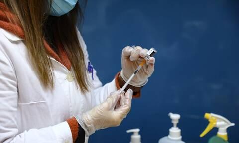 Εμβόλιο Pfizer: Τι δείχνουν τα στοιχεία για τις αλλεργικές αντιδράσεις - Ποια τα συμπτώματα