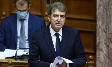 Χρυσοχοΐδης: «Θεωρίες συνωμοσίας της αντιπολίτευσης» ότι θα εμποδίζονται οι δημοσιογράφοι