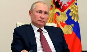 Путин предложил отменить ограничения по возрасту для назначенных им госслужащих