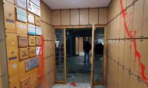 Θεσσαλονίκη: Επίθεση αναρχικών σε πολυκατοικία που μένει δικαστικός
