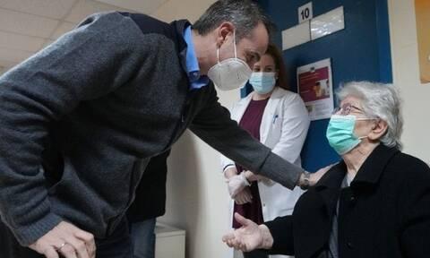 Μητσοτάκης: «Η εκστρατεία εμβολιασμού προχωρά κανονικά»