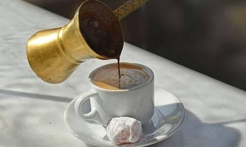 Lockdown - Eύβοια: Βαριά καμπάνα σε ιδιοκτήτη καφέ - Μεταφέρθηκε στο αυτόφωρο