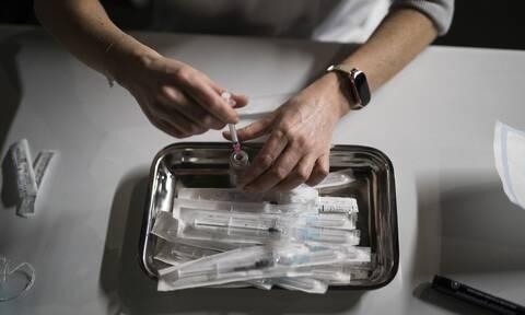 Γαλλία: Η Εθνική Αρχή Υγείας συνιστά διπλασιασμό του χρόνου μεταξύ των δόσεων εμβολιασμού