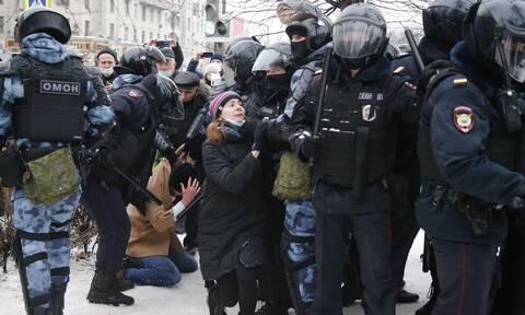 Αλεξέι Ναβάλνι: Ελεύθερη μετά τη σύλληψη η σύζυγός του - Σε νέες διαδηλώσεις καλεί η αντιπολίτευση