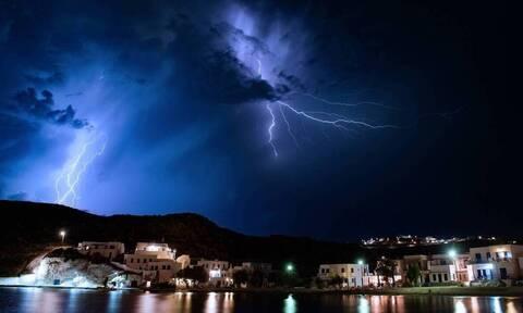 Καιρός: Με τρία διαδοχικά κύματα «χτυπά» η κακοκαιρία - Προσοχή μέχρι την Τετάρτη