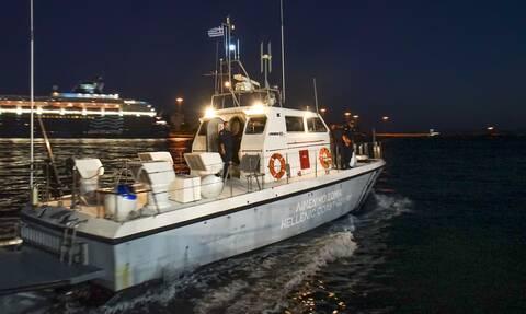 Συνελήφθη ο κυβερνήτης κλεμμένου ιστιοφόρου που προσάραξε στην Τήνο