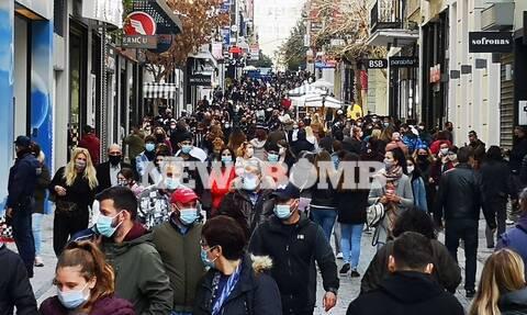 Lockdown: Δεν βάζουμε μυαλό! Χαμός στα μαγαζιά - Δείτε τι γίνεται σε Ερμού και εμπορικά κέντρα
