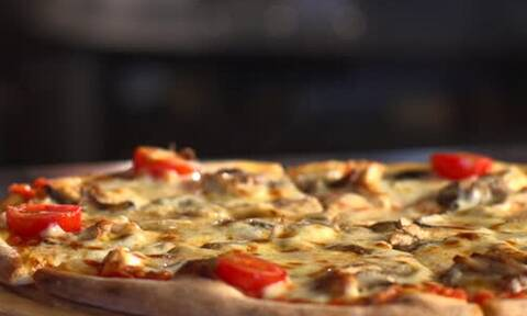 Πίτσα: Το καλύτερο συνοδευτικό για να απογειώσει την απόλαυση