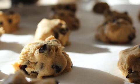 Τρεις εύκολες συνταγές για σνακ για το σπίτι ή το σχολείο (vid)