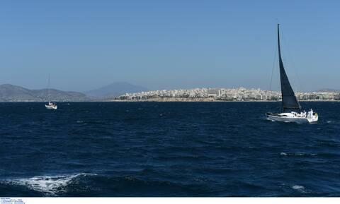 Βιασμός 11χρονης αθλήτριας: Έφθασε στο λιμάνι του Πειραιά ο προπονητής ιστιοπλοΐας