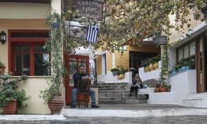 Локдаун: когда в Греции откроются рестораны и горнолыжные курорты