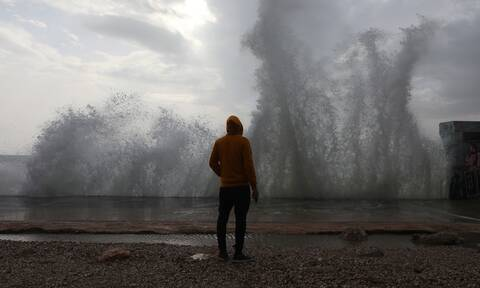 Έκτακτο δελτίο επιδείνωσης καιρού: Πού θα χτυπήσει τις επόμενες ώρες η κακοκαιρία