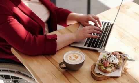 Tips για να τρώτε νόστιμα και υγιεινά στο γραφείο