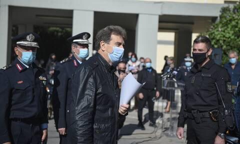Χρυσοχοΐδης: Προτεραιότητα να μην διαλύονται οι συγκεντρώσεις από πέντε μπαχαλάκηδες
