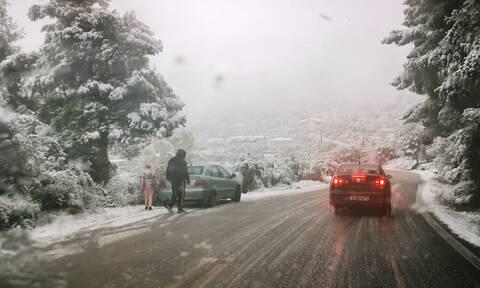 Καιρός – Έκτακτο δελτίο επιδείνωσης: Έρχονται χιόνια ακόμα και στα πεδινά – Δείτε χάρτες