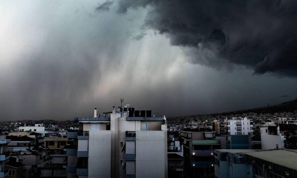 Καιρός ΤΩΡΑ: «Πνίγεται» η δυτική Ελλάδα - Χιονίζει στη Θράκη - Προσοχή τις επόμενες ώρες