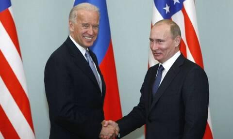 Πρώτη επικοινωνία Μπάιντεν – Πούτιν: Τι είπαν για τα πυρηνικά και πού διαφώνησαν οι δυο πρόεδροι