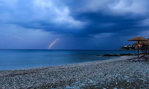 Καιρός - Έκτακτο Δελτίο ΕΜΥ: Βροχές και καταιγίδες την Τετάρτη - Μεγάλη πτώση στη θερμοκρασία