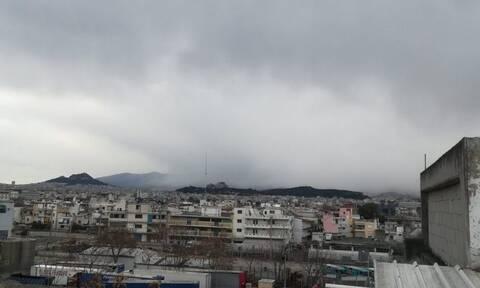 Καιρός: Χιόνι στο κέντρο της Αθήνας, στα νότια και στον Πειραιά