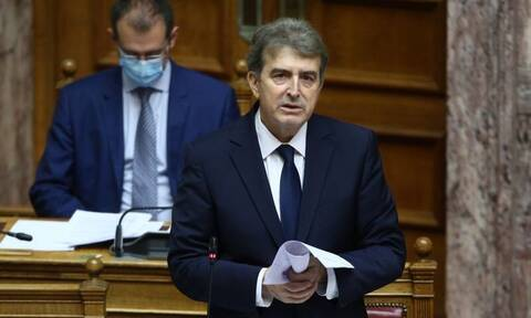 Διαδηλώσεις: Τι είπε ο Χρυσοχοΐδης για τη δημοσιογραφική κάλυψη