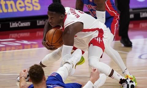 NBA: Έκανε... κηδεία στο γόνατο του! - Για να ξορκίσει το κακό (video)