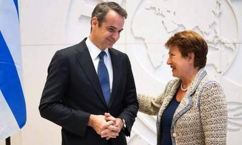 Η Ελλάδα εξοφλεί πρόωρα 3,6 δισ. ευρώ στο ΔΝΤ, αλλά και το «προικοδοτεί» με 2 δισ. ευρώ